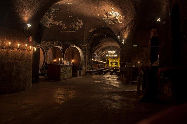 Weinhändler und Vinotheken